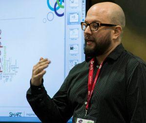 Dr. Sergio G. Cabezas